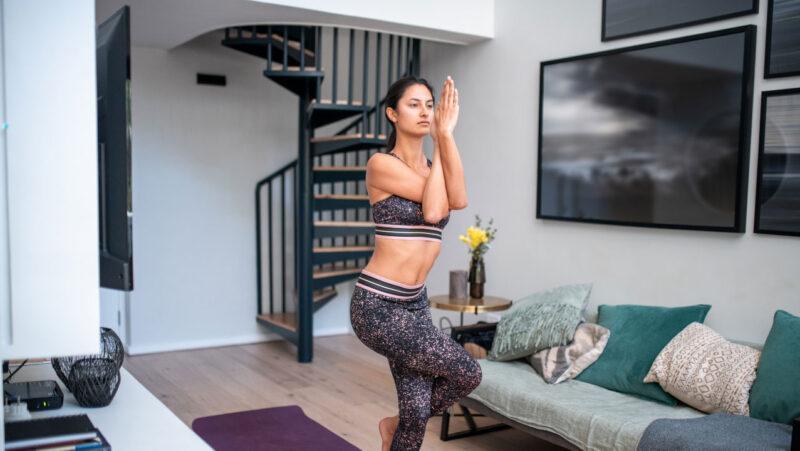 5 reasons to practice yoga online