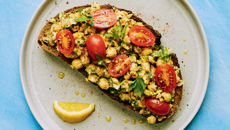 Smashed Chickpeas with Tomatoes