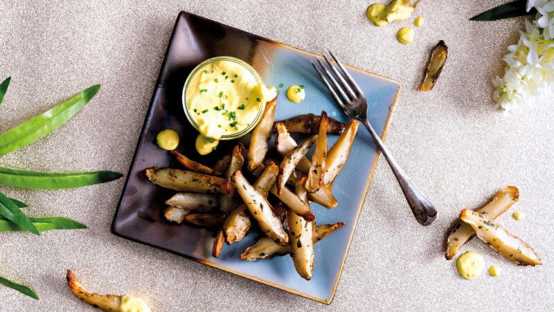 Baked Artichoke Wedges with Lemon and Garlic Aioli