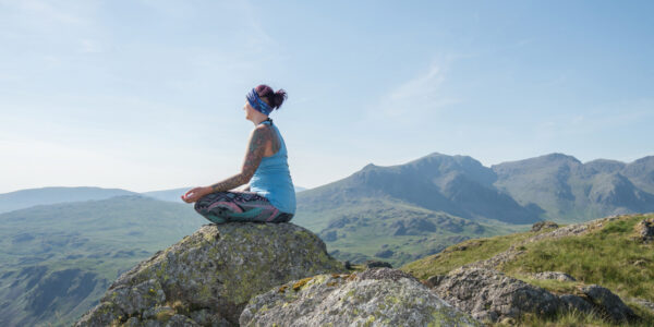 5 poses to help you conquer mountains